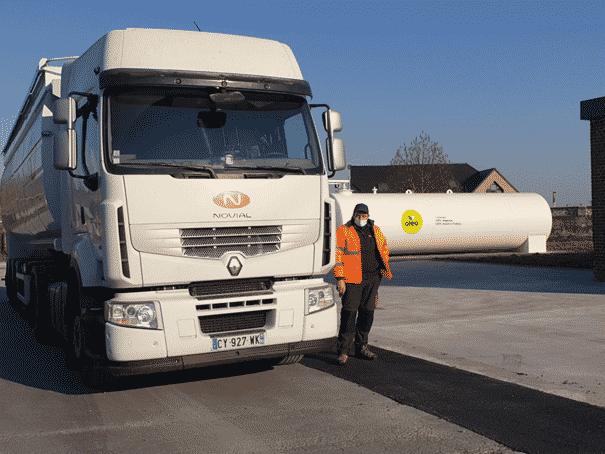 Camion Novial Oleo 100